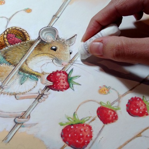 maja sereda wild strawberry mouse step 05